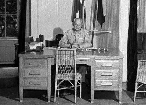 1940sdesk.jpg