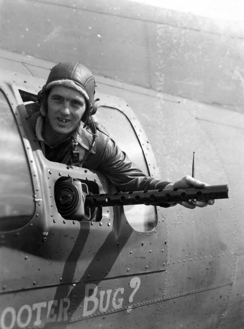 385th_Bomb_Group_B-17_Waist_Gunner_8th_Air_Force~2.jpg