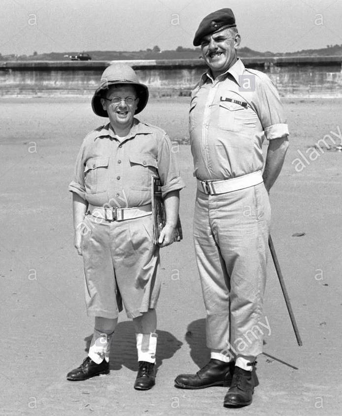 actors-windsor-davies-and-don-estelle-from-the-hit-bbc-series-it-aint-B5E0CR.jpg