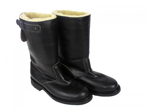 blackboot-pair-800.jpg