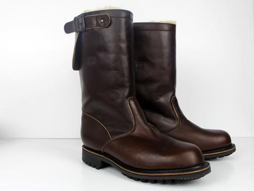 brownboots-pair-800.jpg