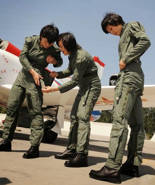 Chin-girl-pilot.png