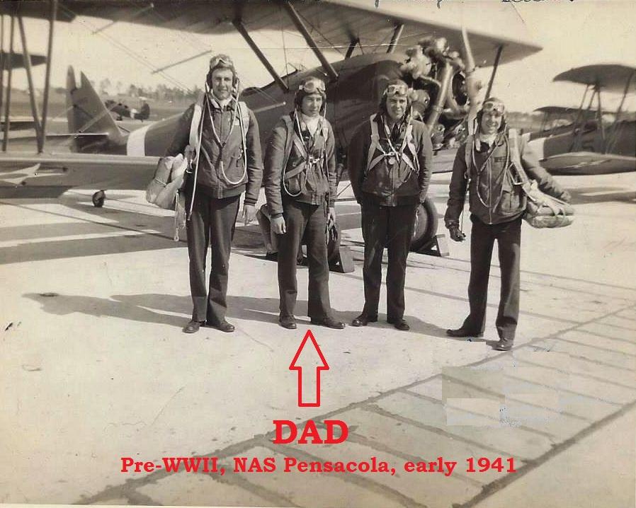 Dad at Pensacola 1941.jpg