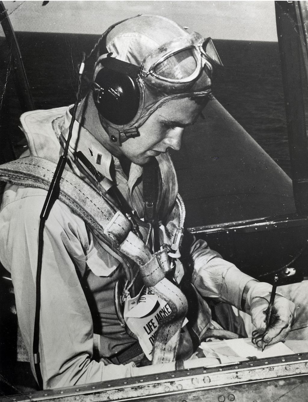 George_H.W._Bush_seated_in_a_Grumman_TBM_Avenger,_circa_1944_(H069-13).jpg
