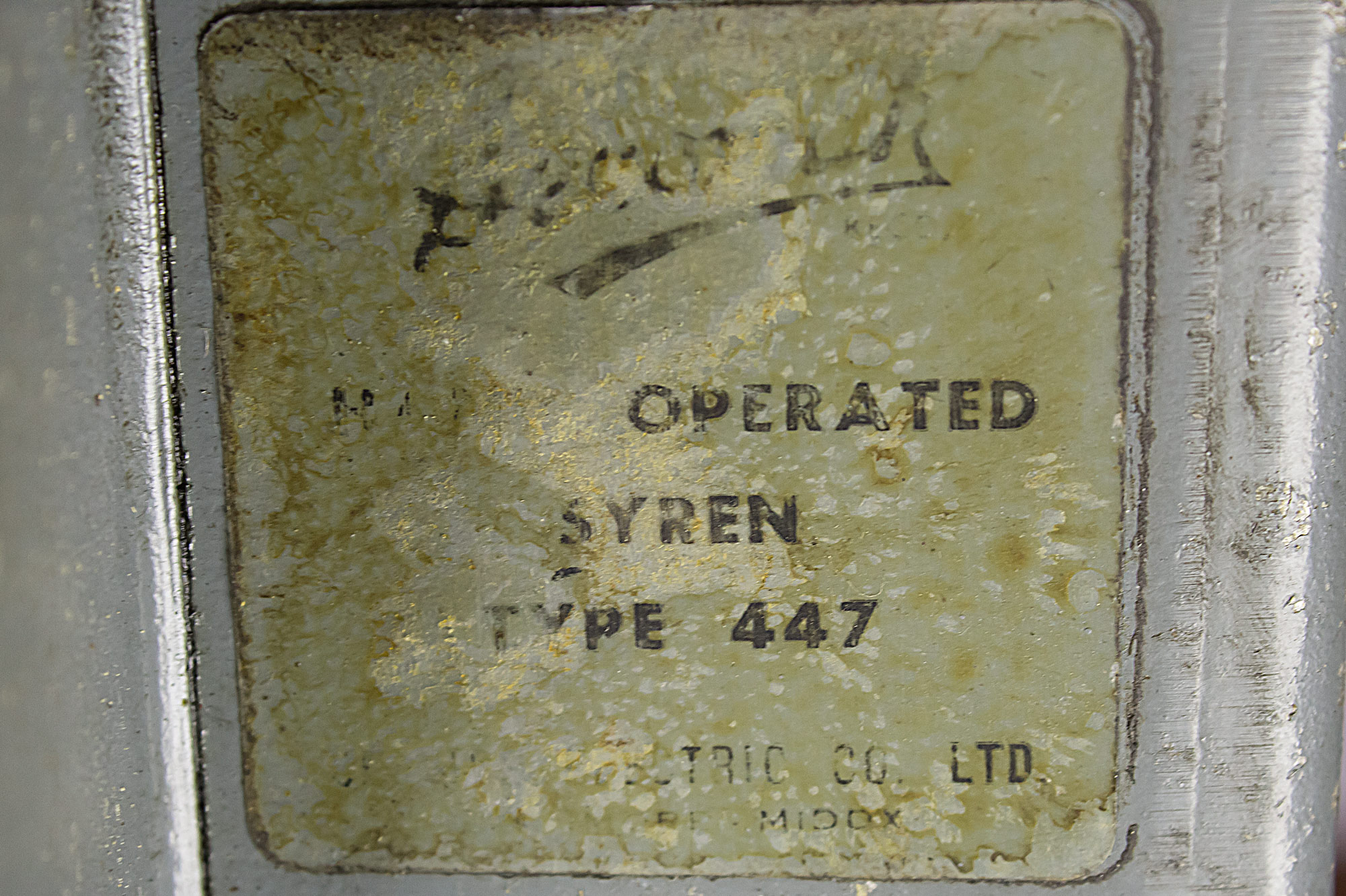 Siren label.jpg