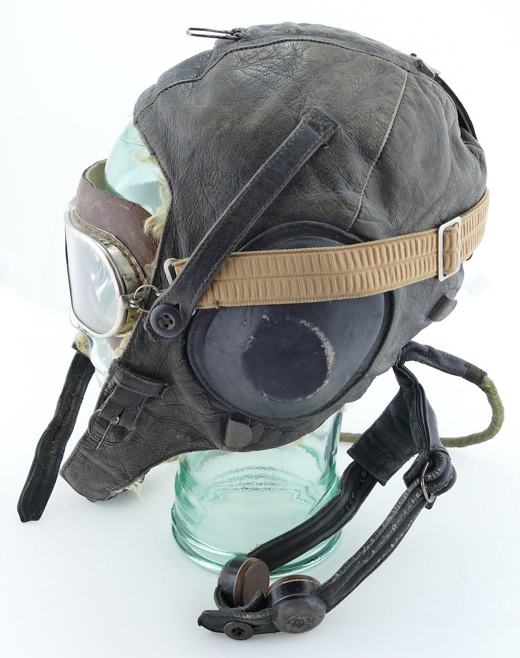 soviet_ww2_fur_lined_leather_flight_helmet_2.jpg