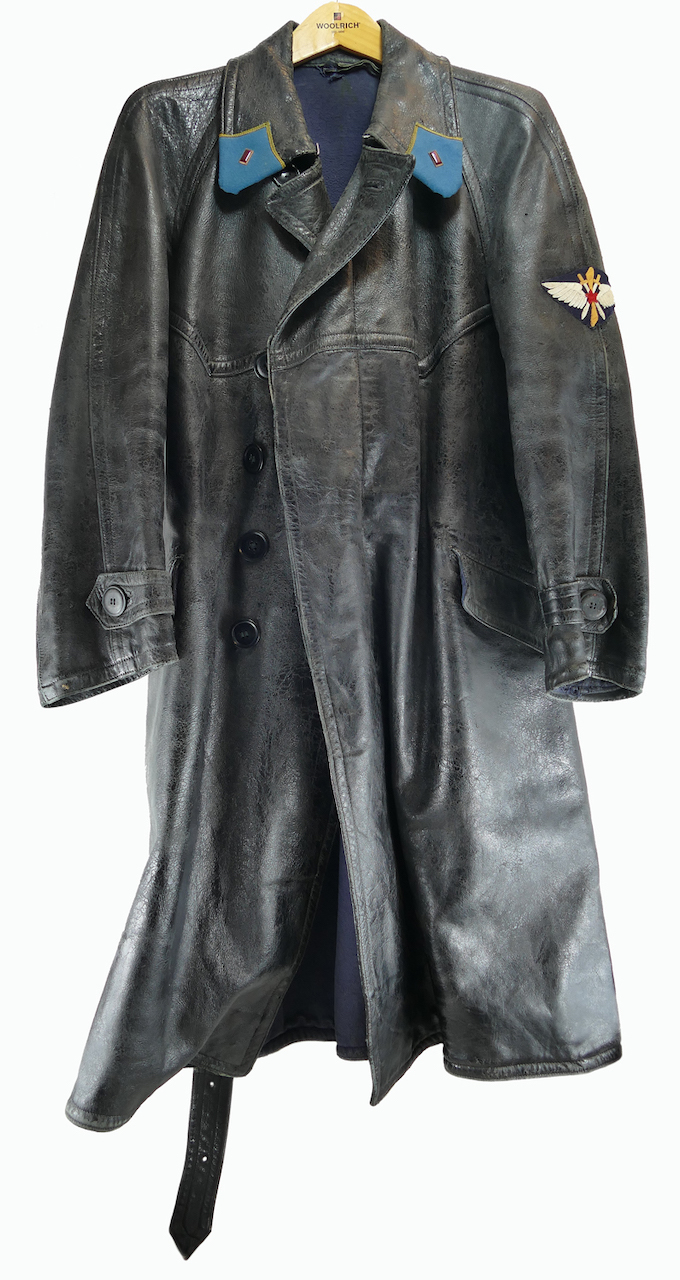soviet_WWII_air_force_pilot_leather_coat.jpg
