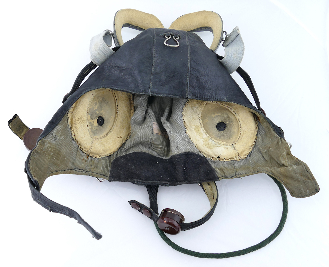 soviet_WWII_leather_flight_helmet_with_goggles_7.jpg