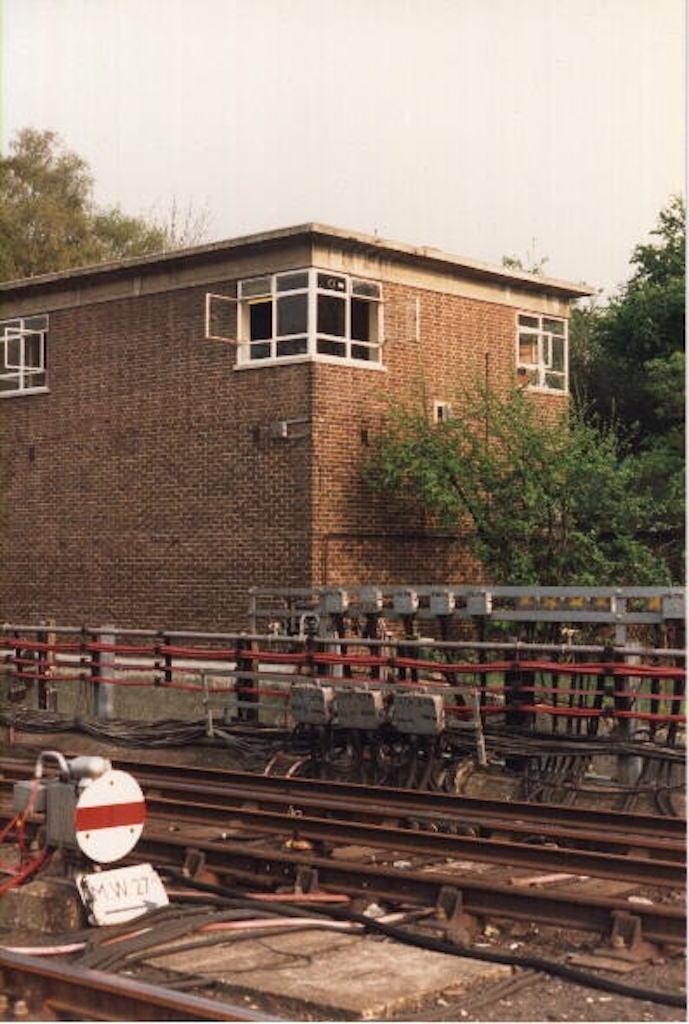 Uxbridge_exterior_1973.jpg