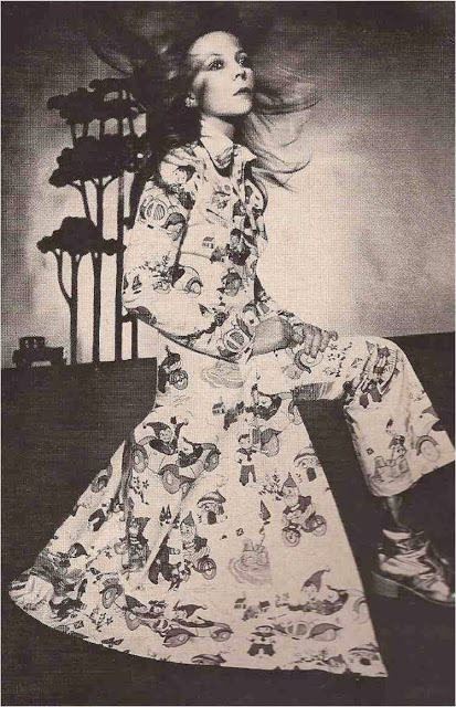 Vogue UK  April 15 1970-8.jpg
